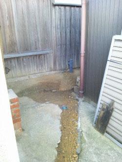 外部は、最寄りの汚水管へ!